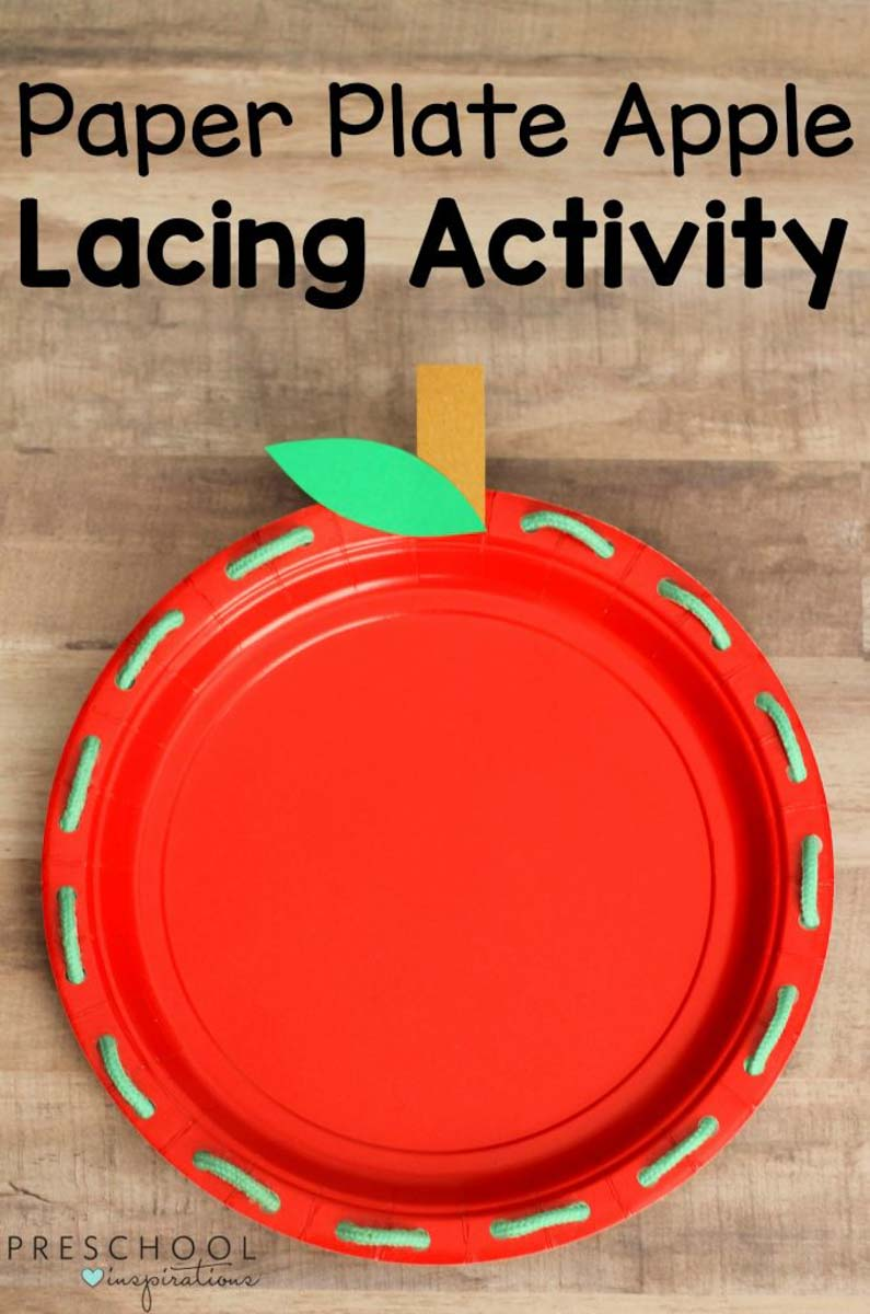 Paper plate lacing activity - works on fine motor skills in a fun and easy way! A great fall craft for preschoolers or a craft to tie into an apple theme. #preschool #prek #finemotor #apple #appleactivities #kidsactivities