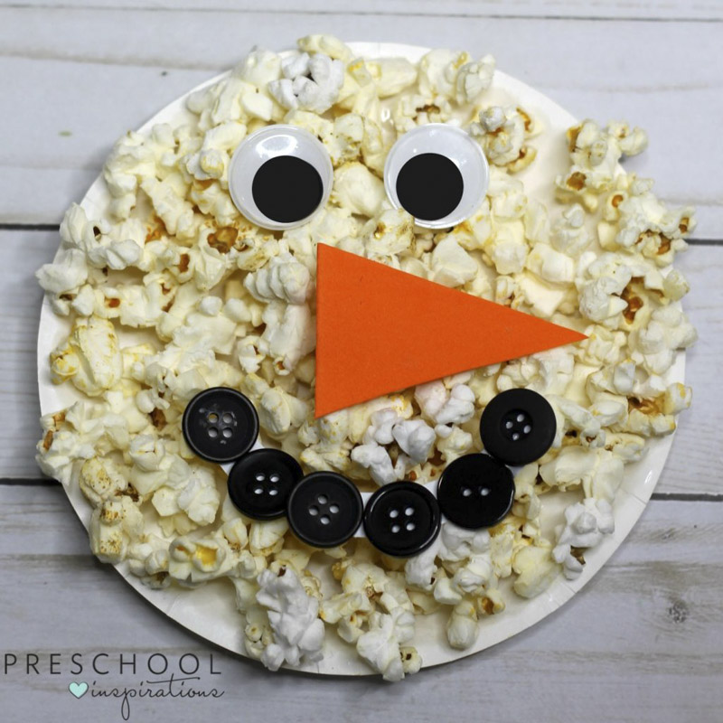 Sweet and Simple Paper Plate Snowman with Popcorn